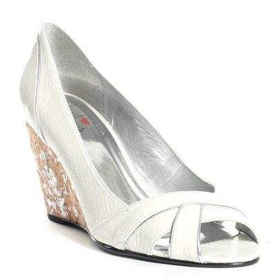 Стилни бели обувки с висока платформа