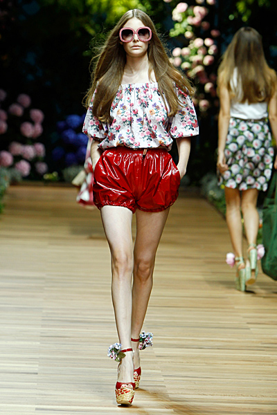 Dolce and Gabbana къси панталони намачкан лак и топ