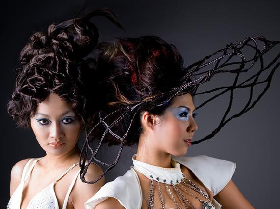 професионални прическа с плетени коси