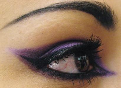 лилав грим на очите