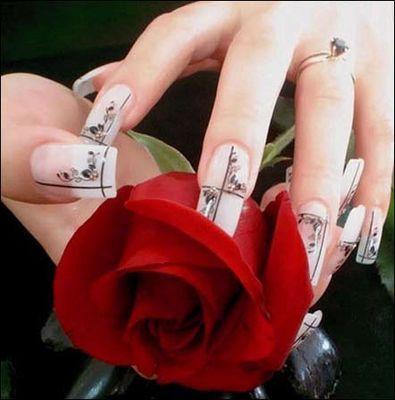 фантастична украса на нокти