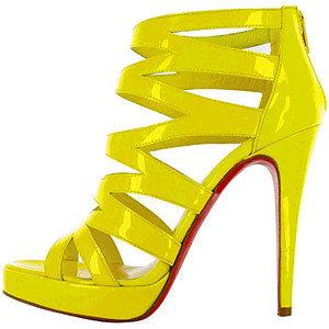 christian louboutin жълти лачени сандали
