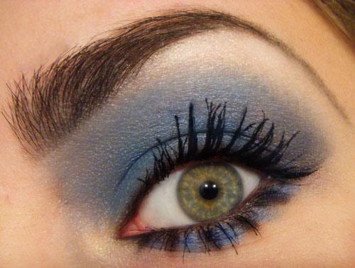 синьо опушено око