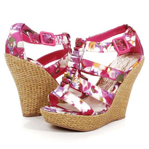 Розови и бели обувки с бежева платформа