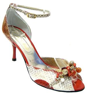 Красиви дамски обувки змия