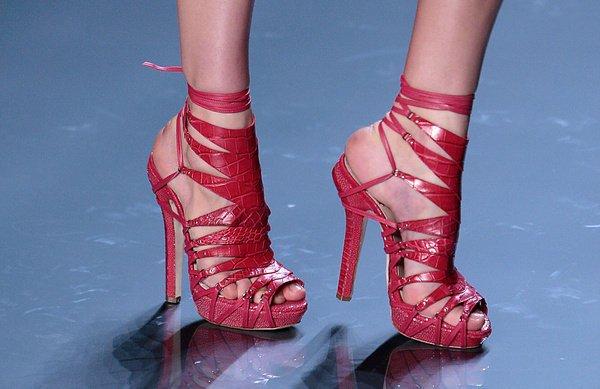 Червен сандали с връзки