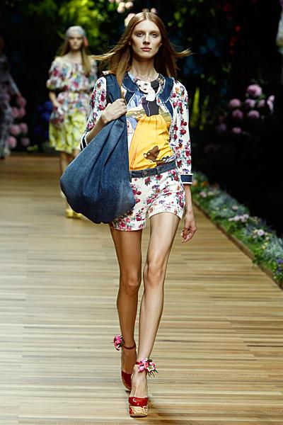 Dolce and Gabbana комплект къси панталони и сако