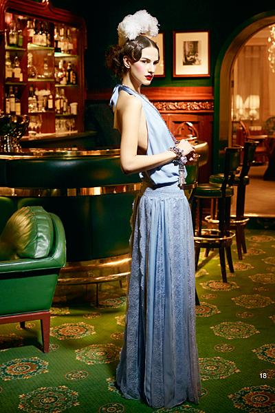 Дълга рокля с гол гръб Предесенна колекция на dior за 2011