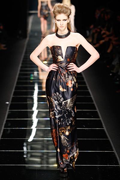 Дълга вечерна рокля с твърд корсет с нарисувани птици и плодове John Richmond Есен-Зима 2011