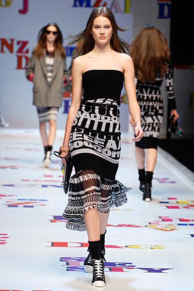 Плетена рокля без презрамки Есен-Зима 2011 D and G