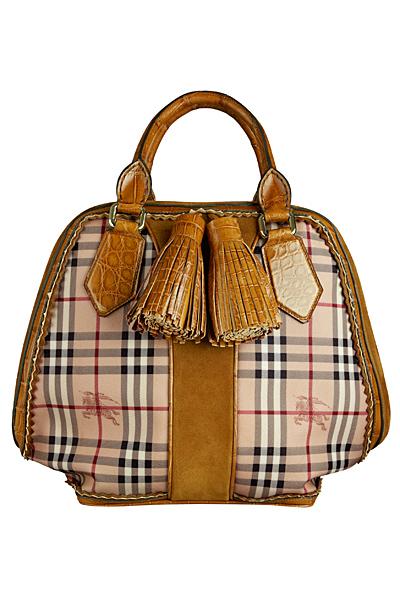 Чанта каре с жълт кант кожа и пискюли Burberry Есен-Зима 2011