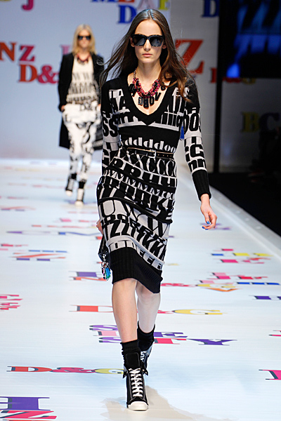 Плетена рокля до коляното бяло и черно Есен-Зима 2011 D and G