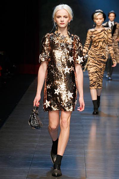 Къса блестяща рокля със звезди Есен-Зима 2011 Dolce and Gabbana