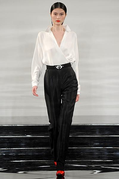 Свободна риза в прав черен панталон с ръб висока талия Есен-Зима 2011 Ralph Lauren