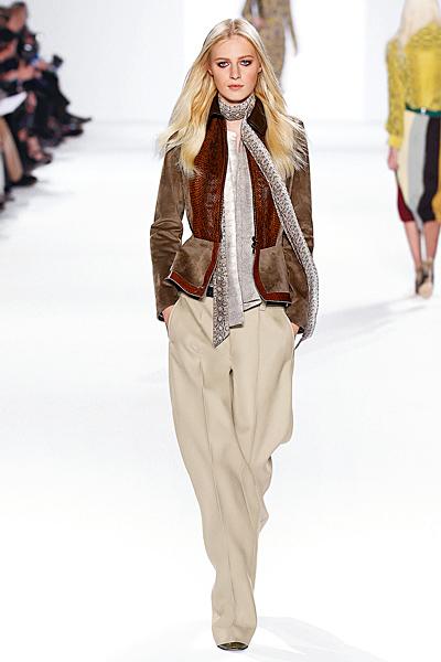 Широк панталон с ръб с ниска талия и велурено сако Есен-Зима 2011 Chloe