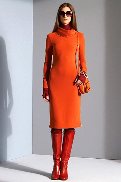 Семпла едноцветна рокля с дълъг ръкав в оранжево Предесенна колекция на Diane von Furstenberg 2011