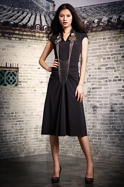 Леко разкроена рокля до коляното Есен-Зима 2011 Shanghai Tang