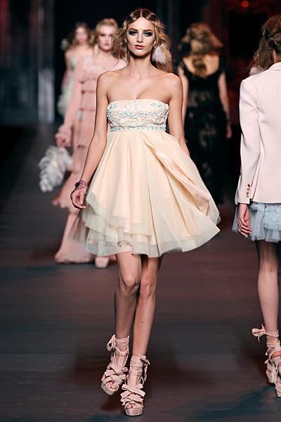 Коктейлна къса рокля с висока талия Dior Есен-Зима 2011