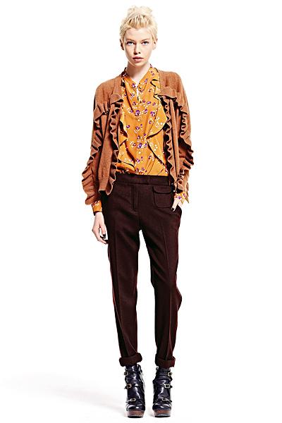 Кафяв панталон с ръб тесен, риза и жилетка See Есен-Зима 2011 от Chloe