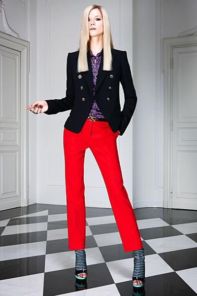 Прав панталон и черно сако Предесенна колекция Versace 2011
