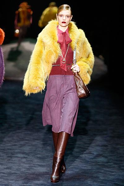 Жълто палто с косъм Gucci Есен-Зима 2011