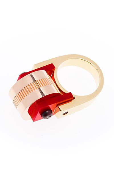 Balenciaga златен пръстен