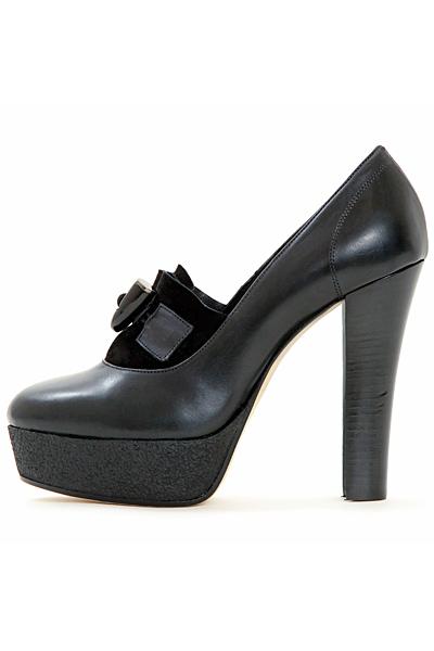 Черни обувки на ток кожа Victor and Rolf Есен-Зима 2011