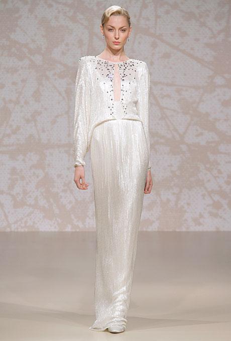 Сватбена рокля с дълъг ръкав и пайети Jenny Packham Есен 2011