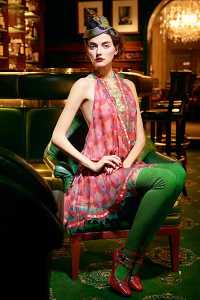 Рокля каре Предесенна колекция на dior за 2011