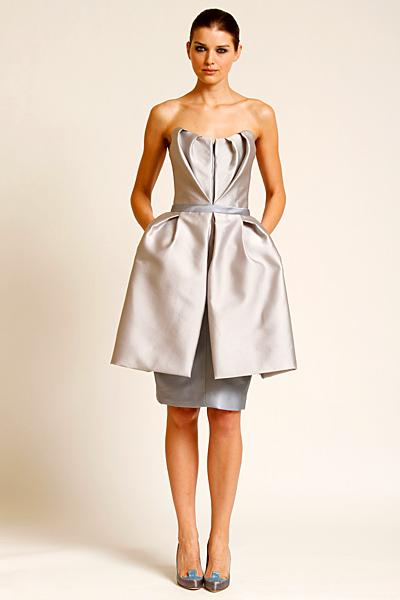 Ефектна рокля металик без презрамки Предесенна колекция Carolina Herrera 2011