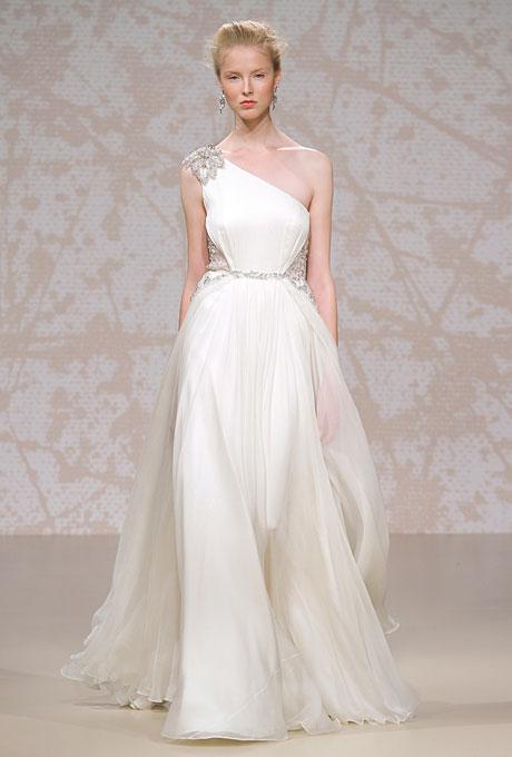 Сватбена рокля с едно рамо с декоративно цвете от камъни Jenny Packham Есен 2011