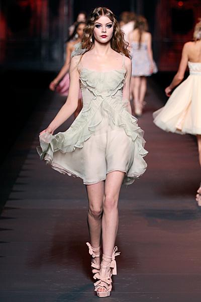 Дантелена рокля с тънки презрамки Dior Есен-Зима 2011