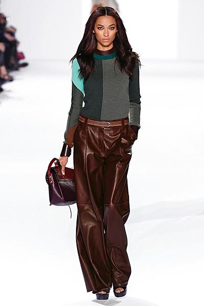 Кафяв широк кожен панталон и блуза в зелено Есен-Зима 2011 Chloe