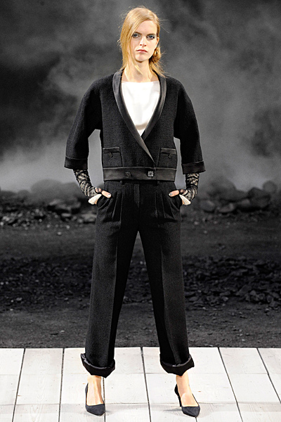 Панталон с ръб и сако Есен-Зима 2011 Chanel