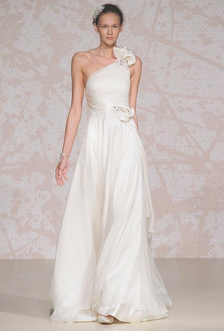 Сватбена рокля с голо рамо с декоративни цветя Jenny Packham Есен 2011