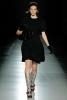 Семпла рокля по врата с къс ръкав черна Prada Есен-Зима 2011