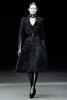 Разкроена от кръста надолу рокля Alexander McQueen Есен-Зима 2011