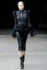 Панталон 3/4 и късо палто Alexander McQueen Есен-Зима 2011