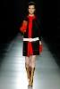 Черно палто с червен кант отпред и бял колан Prada Есен-Зима 2011