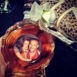Петко и Яна на бутилка сливова ракия