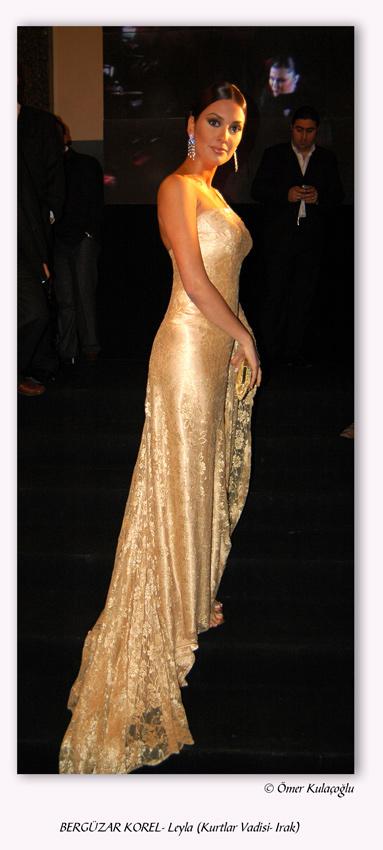 Шехерезада - Бергюзар Корел в официална рокля