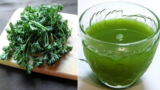 Магданоз    Сложете 2 супени лъжици магданоз в 1 литър вряла вода. Оставете да преседи 60 минути. Консумирайте 100 ml инфузия 3 пъти на ден.