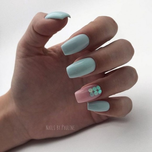 Маникюр за дълги нокти в пастелни цветове лято 2018