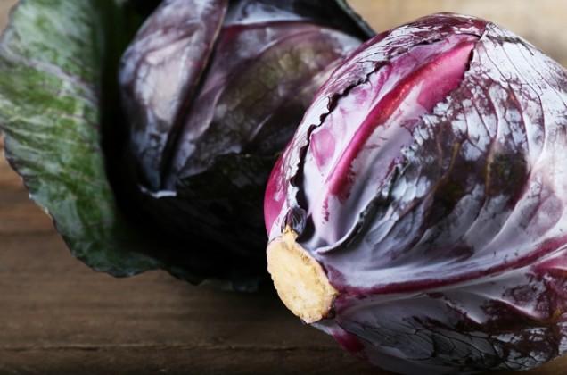 ряпа Хората, които имат проблеми със стомаха, бъбреците, панкреаса, не се препоръчва да ядат този зеленчук. Също така трябва да помните, че ряпата не трябва да се яде в чиста форма, защото има остър вкус и няма добро въздействие върху човешкото тяло. В този случай сърцето и храносмилателната система страдат.