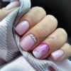 10 прекрасни и нежни идеи за маникюри за къси нокти и нокти със средна дължина (Снимки)