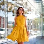 Стилна рокля в жълто лято 2018