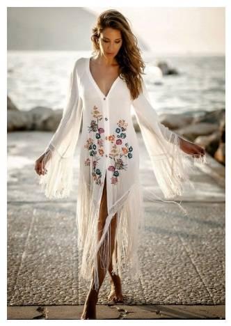 Красива бяла плажна рокля с цветя и ресни лято 2018