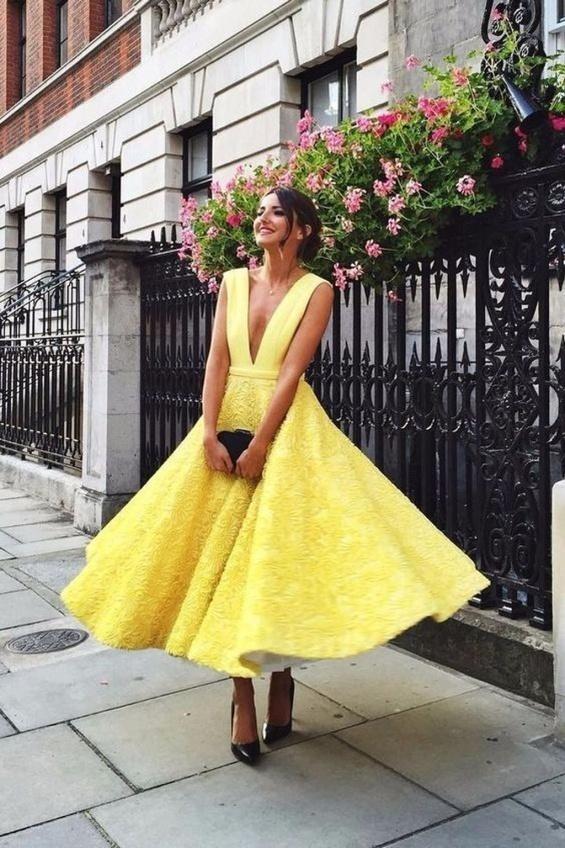 Романтична жълта рокля лято 2018