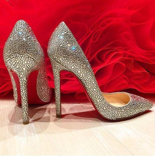 сребърни обувки на ток