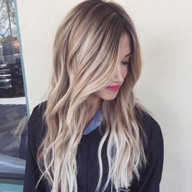 Прически за дълга коса 2019